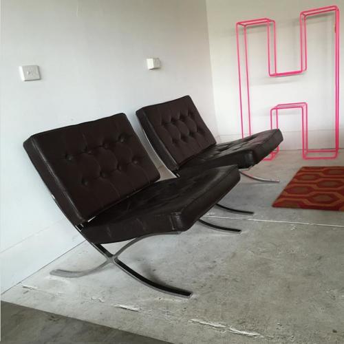 Barcelona Chair (1)